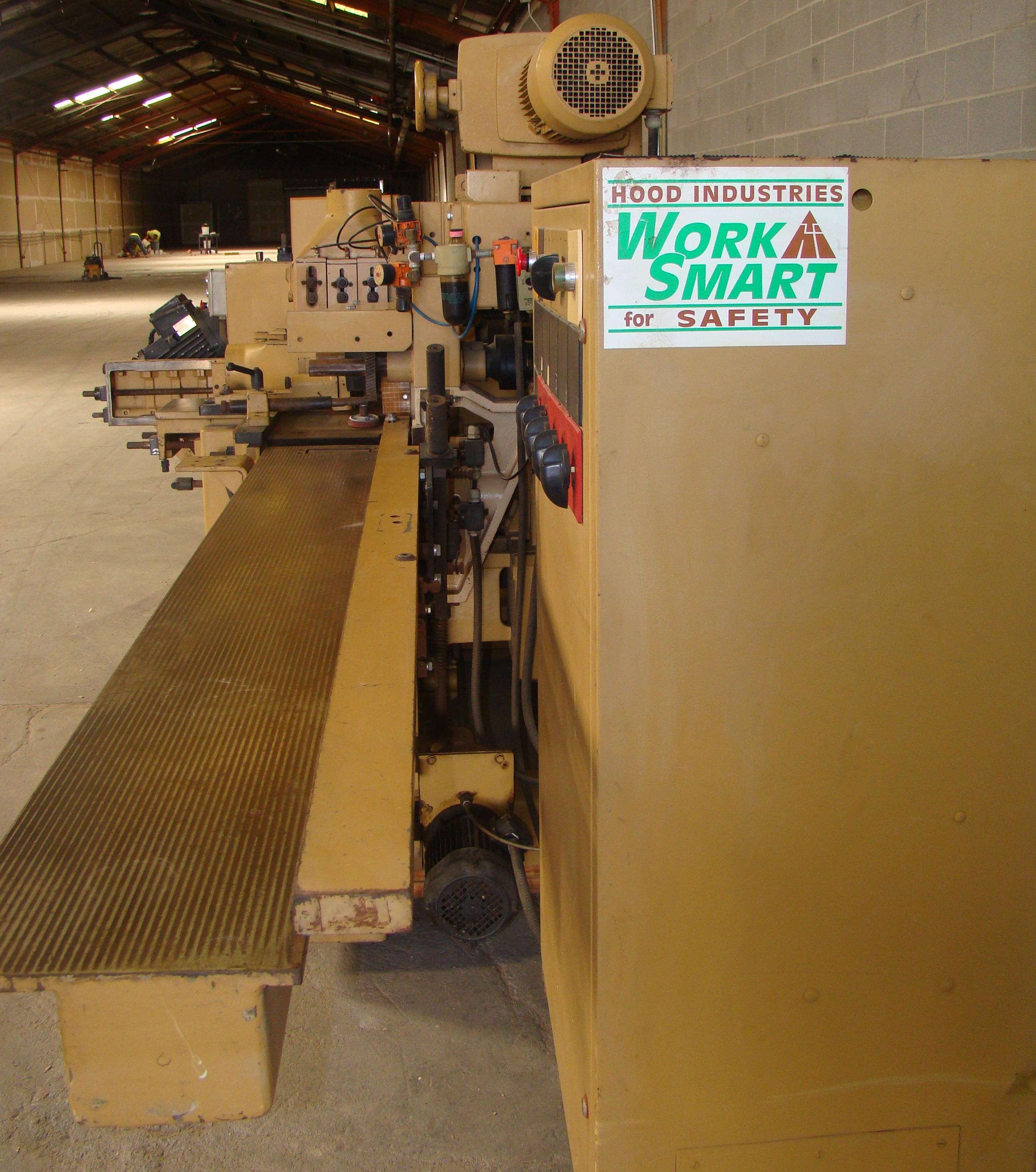 """SCMi 9"""" Wood Moulder, Model: P230 5 Head 6.6HP 220/440 Volts 3Phase - Image 9 of 14"""