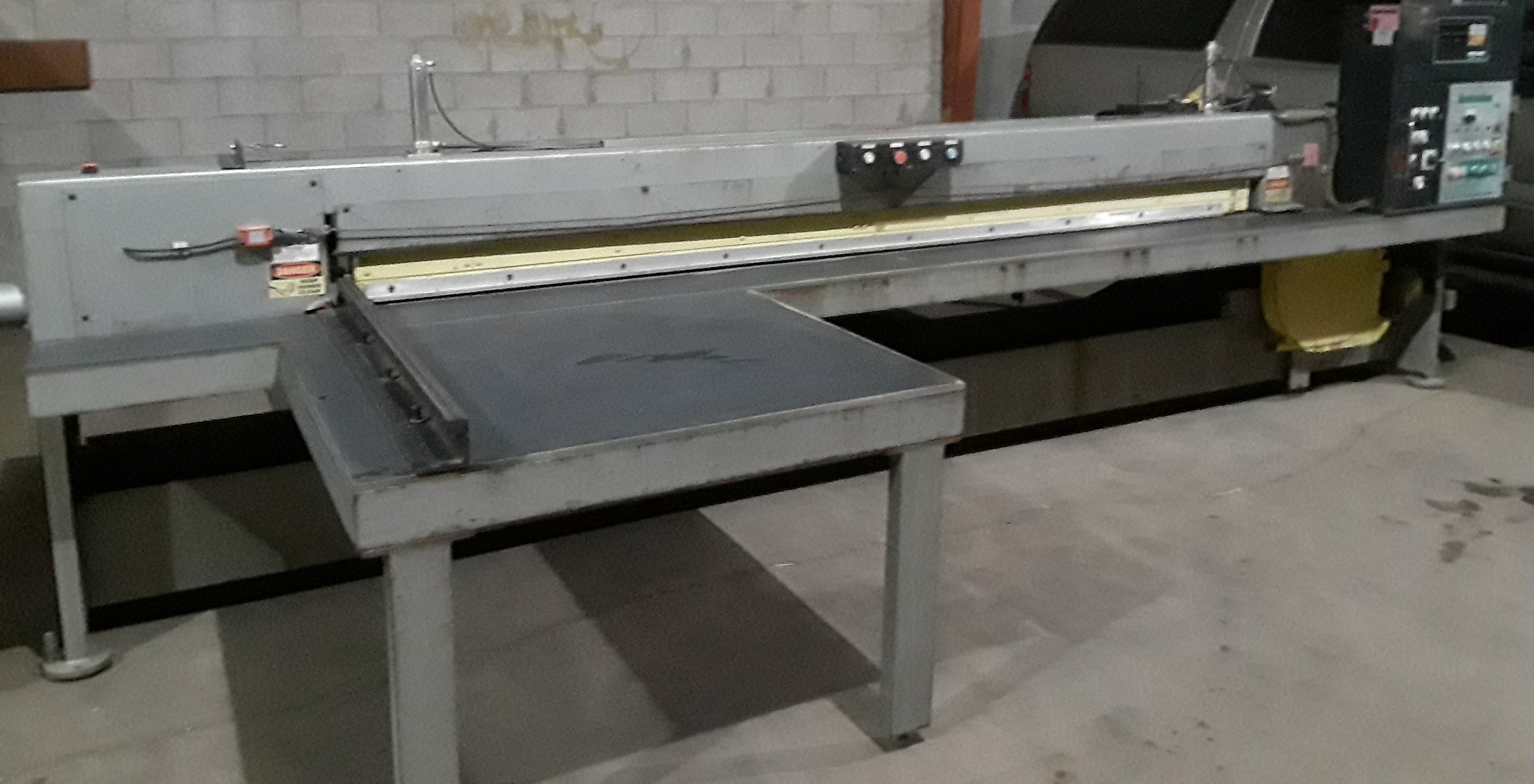 Hendrick Front Load Panel Saw, Pro H 126 220 volt 3 phase - Image 2 of 12