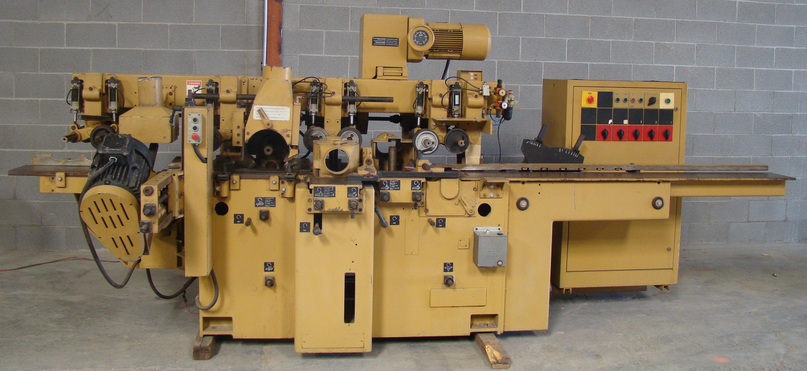 """SCMi 9"""" Wood Moulder, Model: P230 5 Head 6.6HP 220/440 Volts 3Phase"""