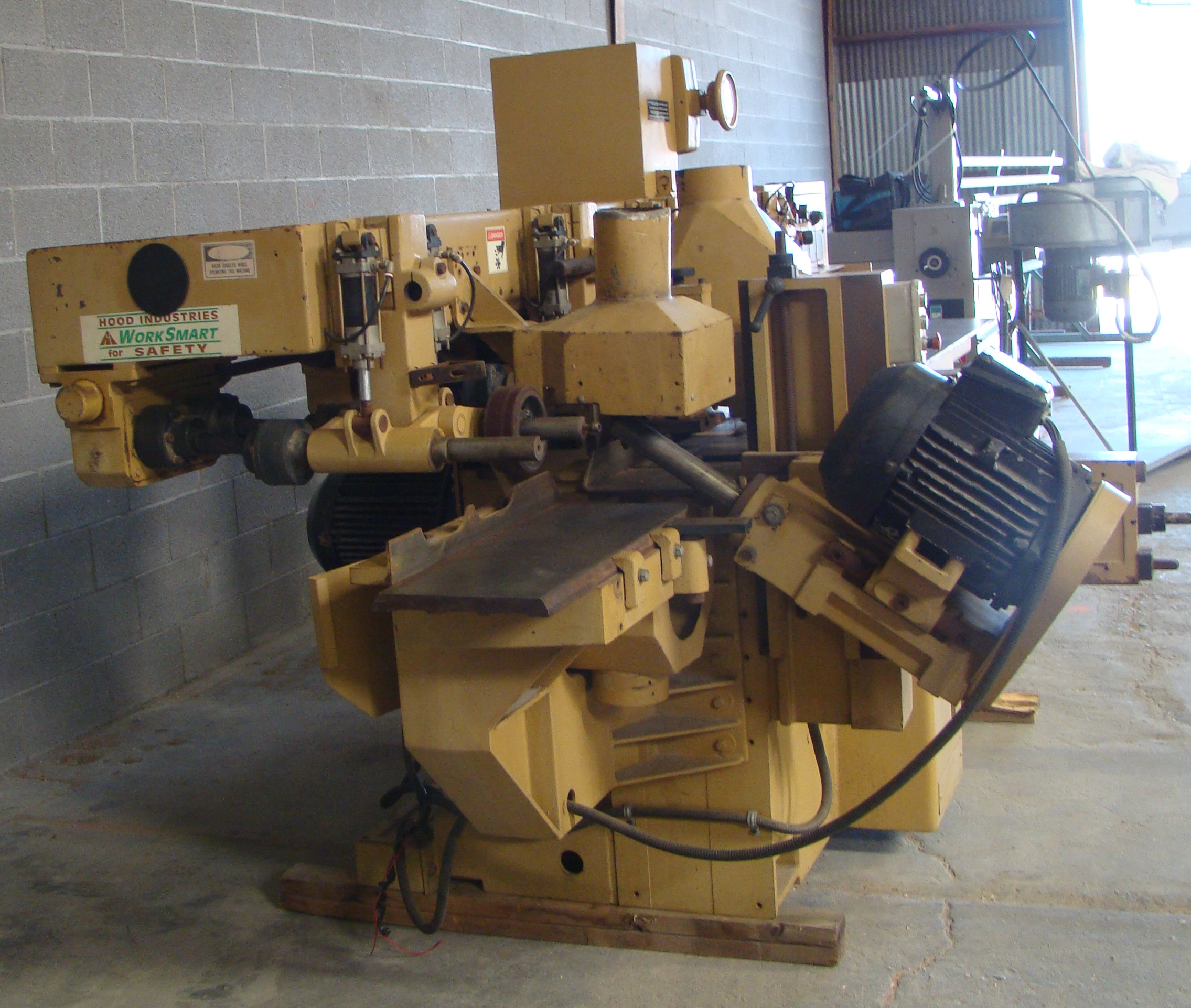 """SCMi 9"""" Wood Moulder, Model: P230 5 Head 6.6HP 220/440 Volts 3Phase - Image 11 of 14"""