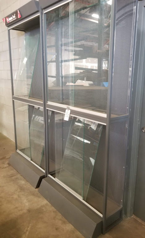 Amana Tool Glass Display Showcases (4 Compartments) - Image 2 of 3