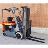 """TOYOTA (2004) 7FBCU30 48V ELECTRIC FORKLIFT WITH 6000 LB. CAPACITY, 187"""" MAX. VERTICAL LIFT, SIDE"""