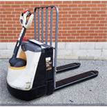CROWN (2015) WP3035-45 24V ELECTRIC WALK-BEHIND PALLET JACK WITH 4500 LB. CAPACITY, 3595 HRS (