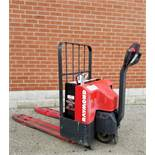 RAYMOND (2001) F40L 24V ELECTRIC WALK-BEHIND PALLET JACK WITH APPROX. 5500 LB. CAPACITY, 299 HRS (