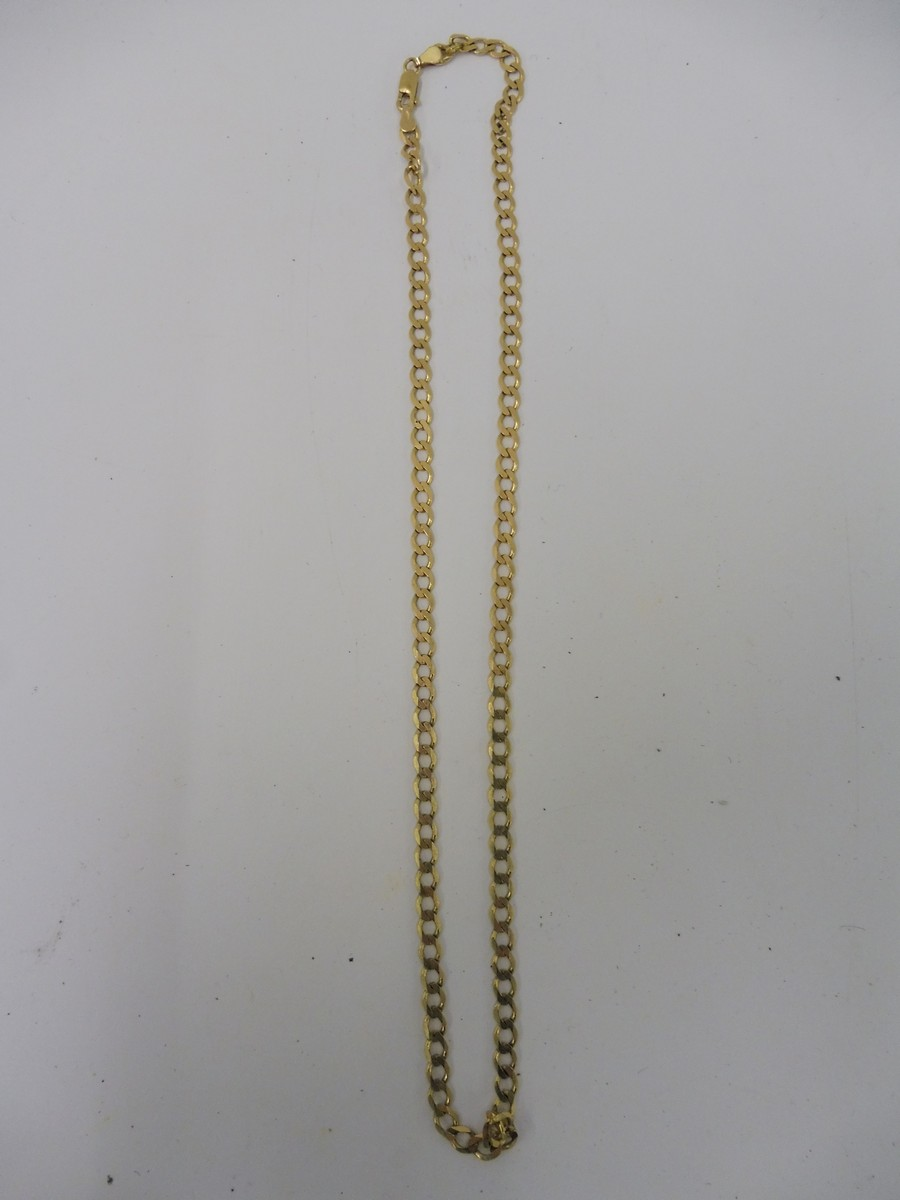 Lot 6 - A 9ct gold necklace.