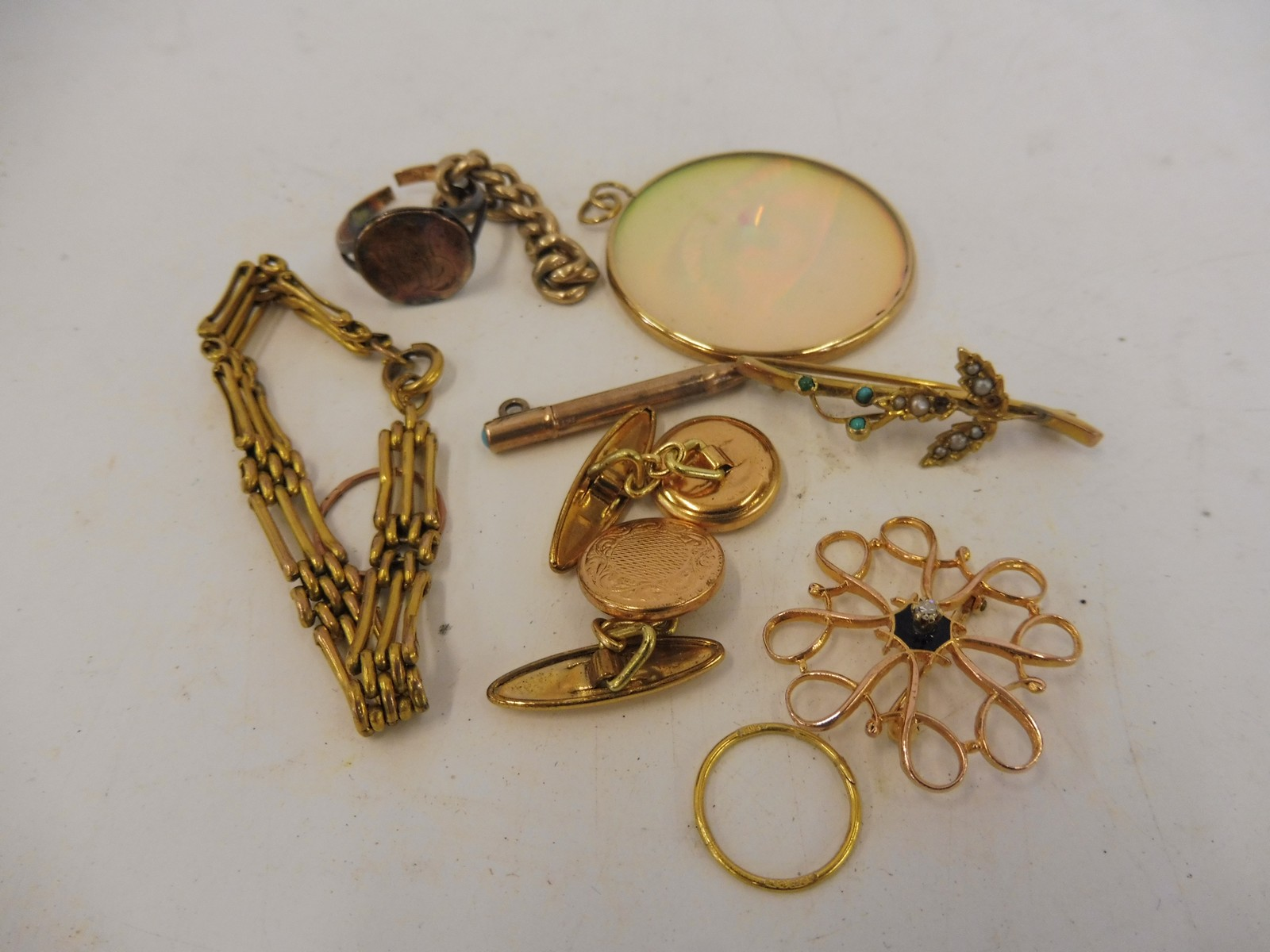 Lot 52 - A small box of mostly 9ct gold including a delicate brooch in the form of a flower.