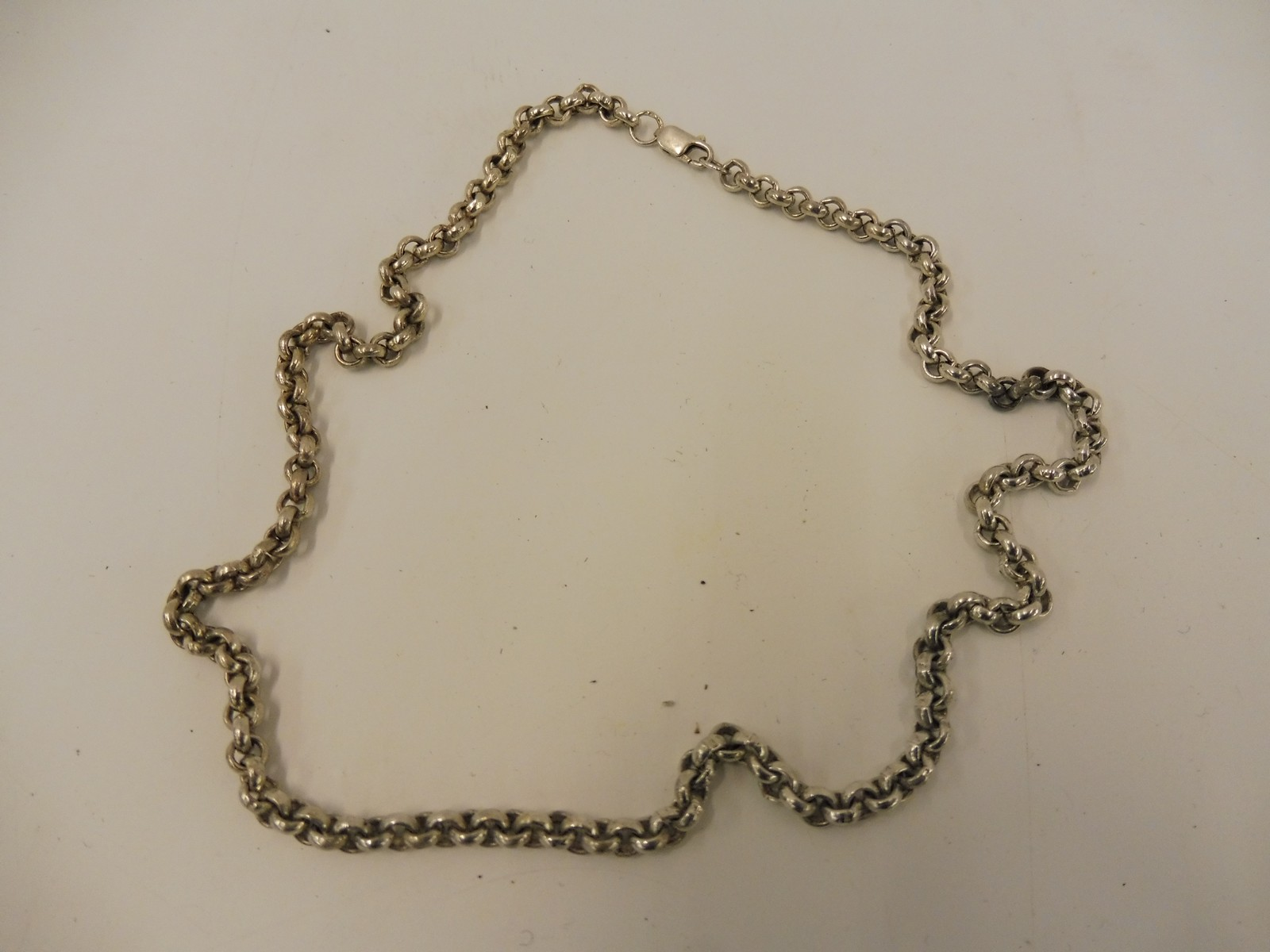 Lot 4 - A silver necklace, marked .925.
