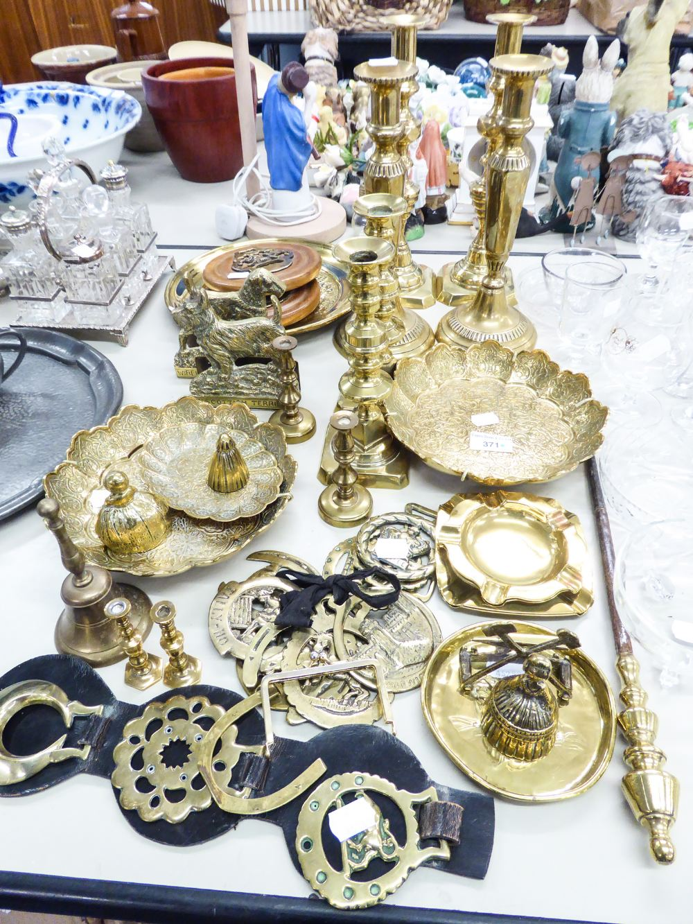 Lot 371 - BRASS WARES TO INCLUDE; FIVE PAIRS OF CANDLESTICKS, HORSE BRASSES, ASHTRAYS, WALL PLAQUES, TABLE