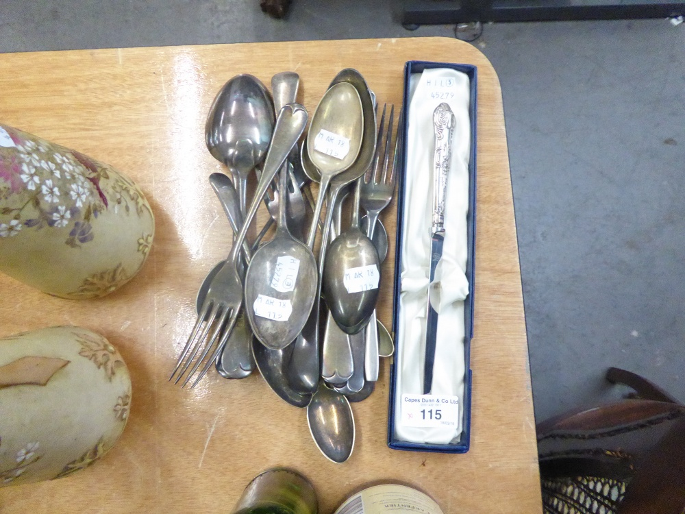 Lot 115 - A PAPER KNIFE WITH KINGS PATTERN SILVER HANDLE, BOXED AND OTHER LOOSE CUTLERY