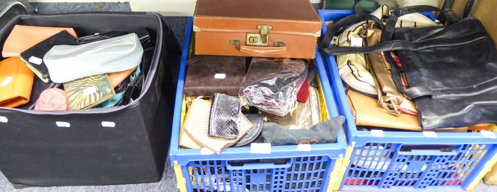 Lot 421 - A QUANTITY OF HANDBAGS AND PURSES (3 BOXES)