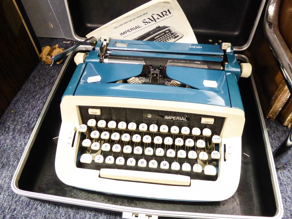 Lot 279 - AN IMPERIAL SAFARI TYPEWRITER, IN BOX