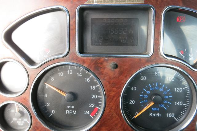 Lot 30 - MACK, CXU613, TRUCK TRACTOR, DAY CAB, MACK MP7 DIESEL ENGINE, 10 SPEED MANUAL TRANSMISSION, 335,