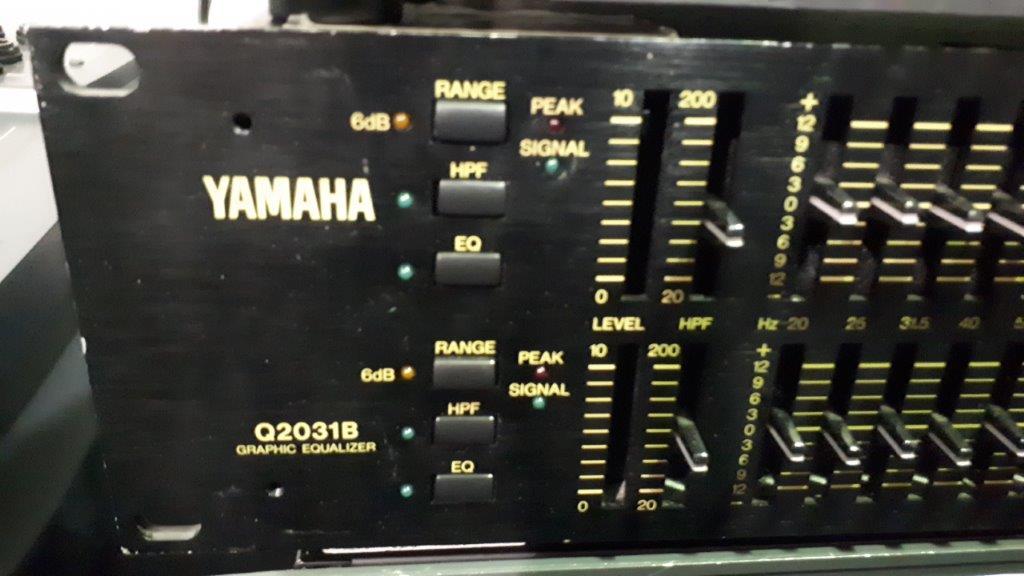 Lot 28 - EQ audio Yamaha Q2031B