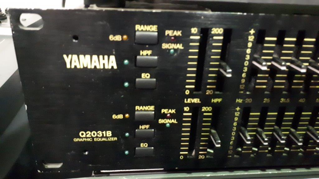 Lot 29 - EQ audio Yamaha Q2031B