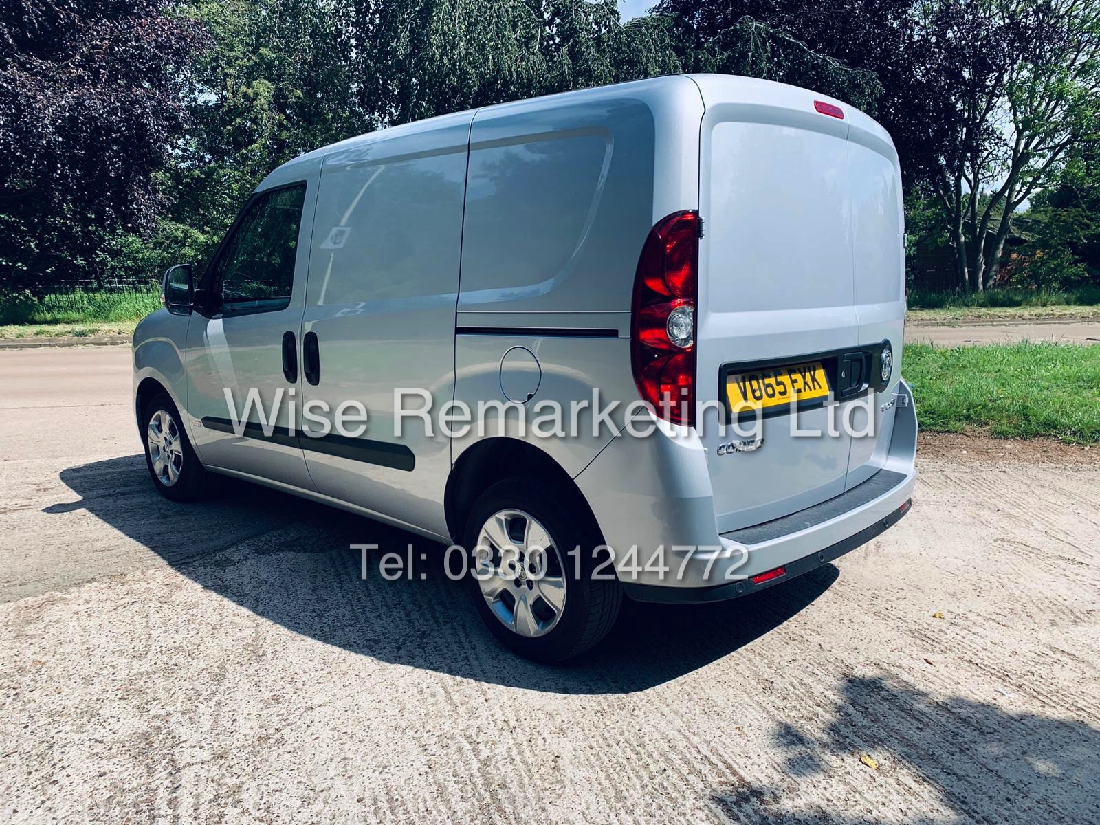 **RESERVE MET** VAUXHALL COMBO 2000 CDTI (SPORT) 1 OWNER WITH FULL HISTORY / AIR CON / ALLOYS / - Image 5 of 22