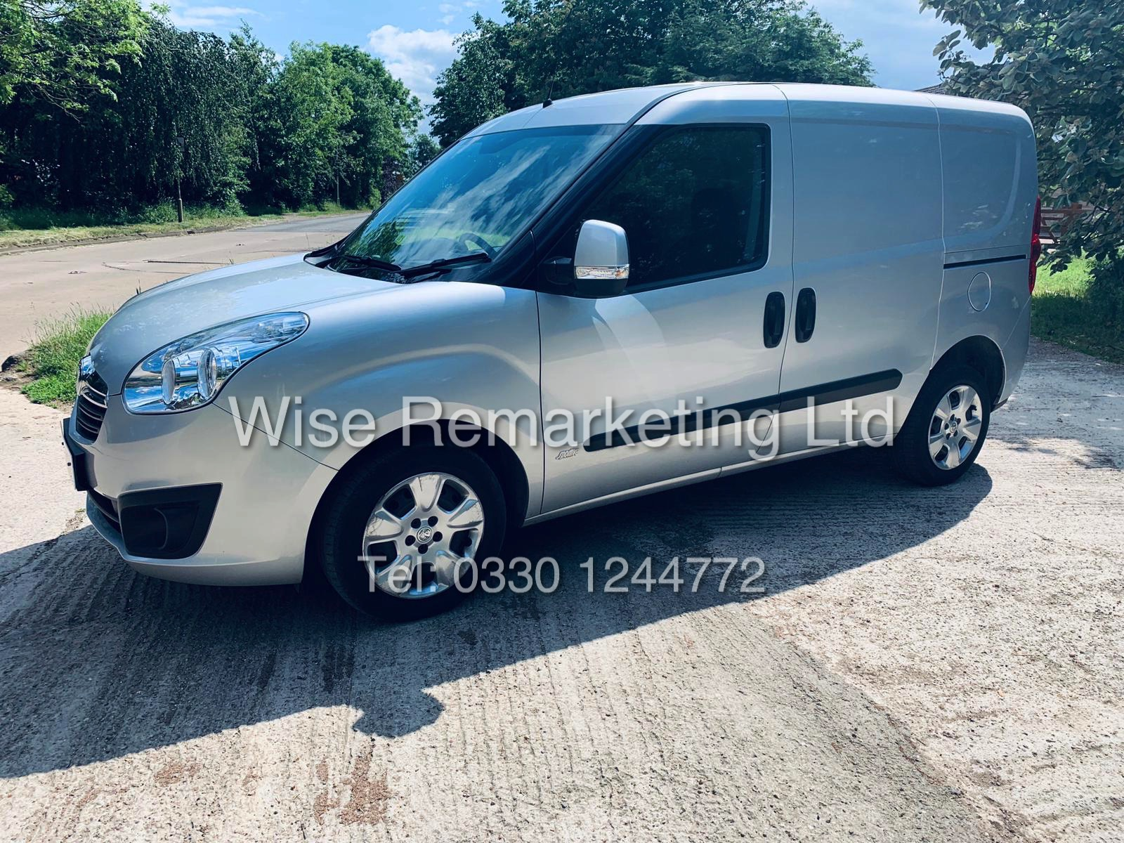 **RESERVE MET** VAUXHALL COMBO 2000 CDTI (SPORT) 1 OWNER WITH FULL HISTORY / AIR CON / ALLOYS / - Image 4 of 22