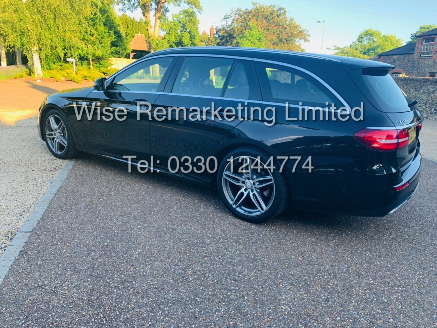 MERCEDES E CLASS ESTATE E220D AMG LINE 2017 / 9G -TRONIC / *LOW MILES* / 1 OWNER - Image 7 of 42