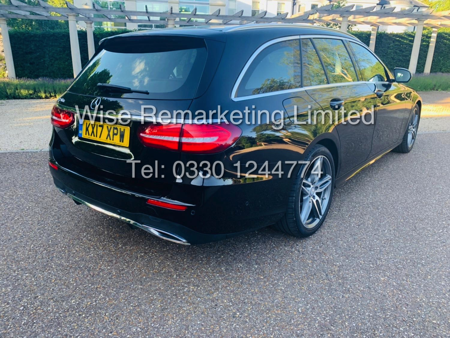 MERCEDES E CLASS ESTATE E220D AMG LINE 2017 / 9G -TRONIC / *LOW MILES* / 1 OWNER - Image 12 of 42