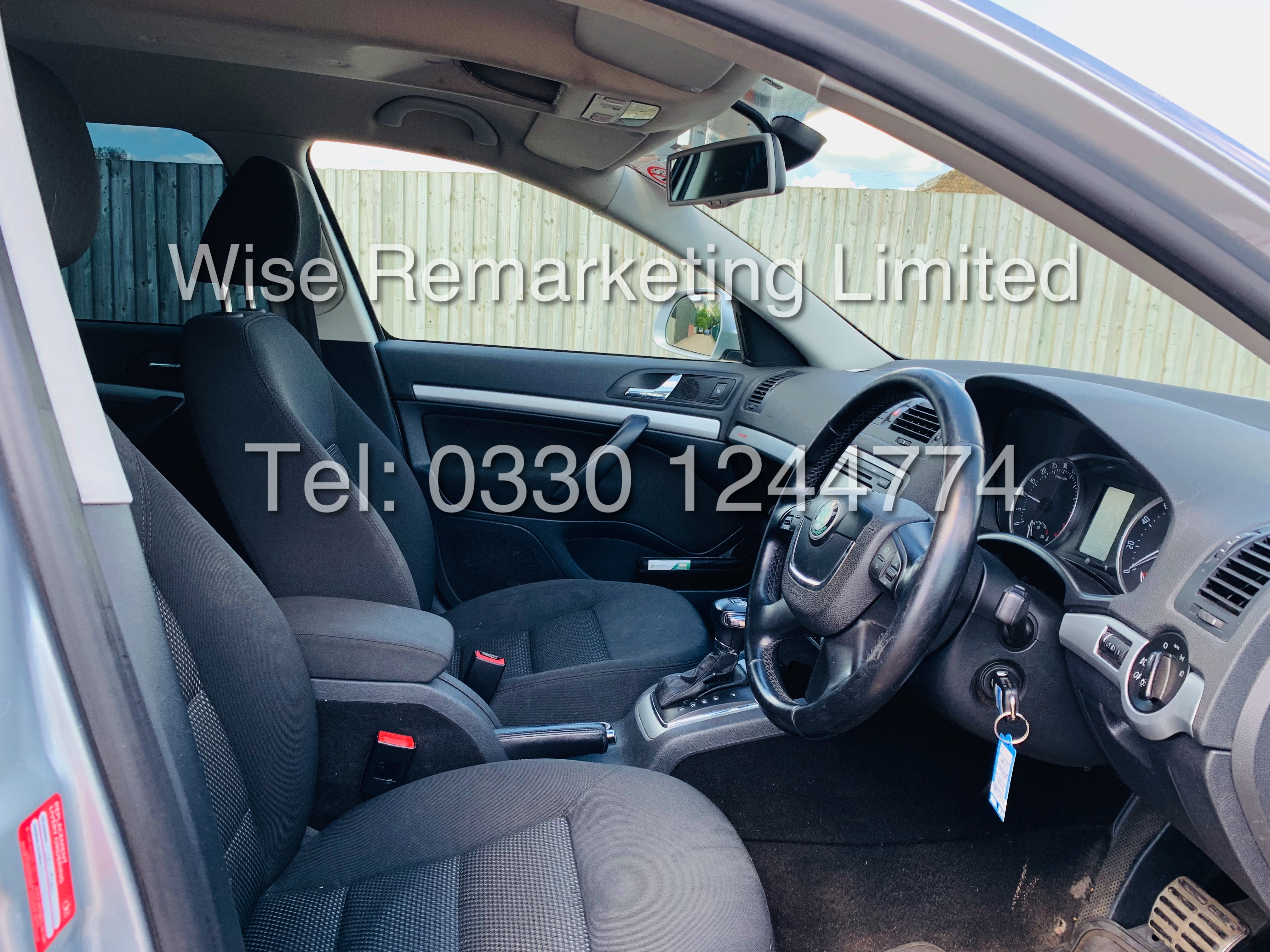 **RESERVE MET** SKODA OCTAVIA (SCOUT) 2.0tdi DSG AUTOMATIC ESTATE / 2013 / 1 OWNER WITH FULL HISTORY - Image 15 of 16