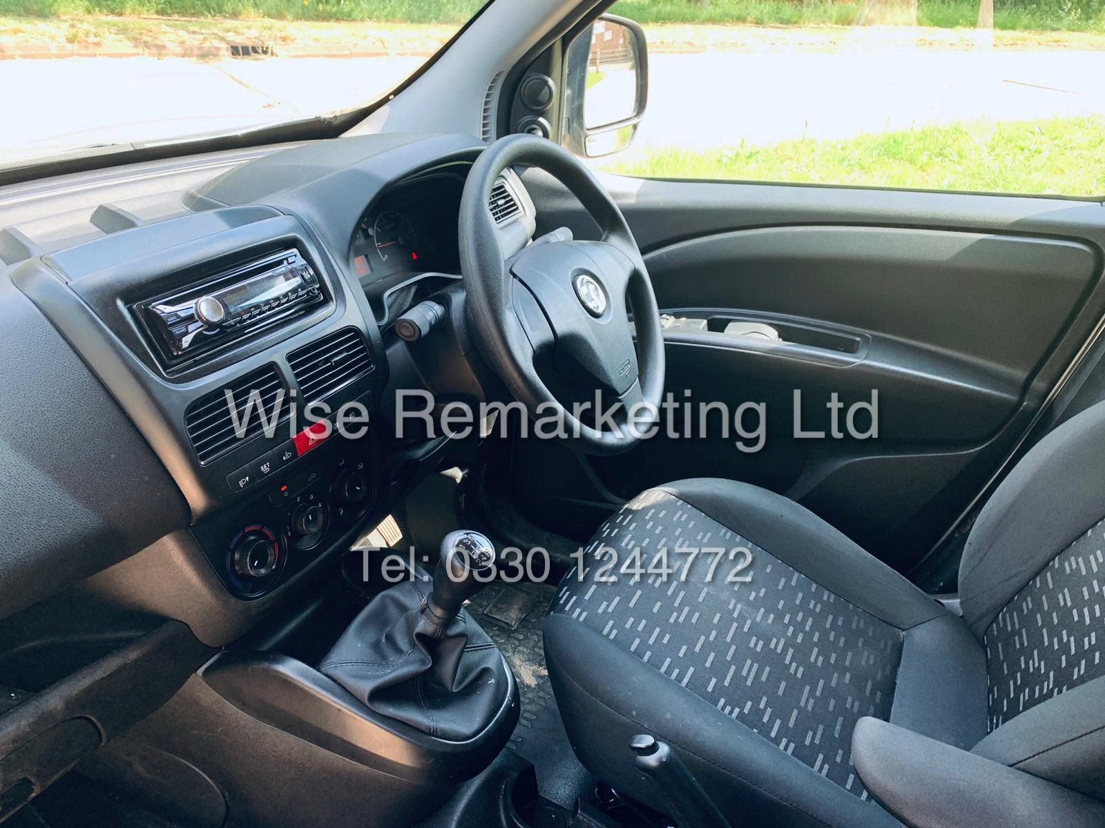 **RESERVE MET** VAUXHALL COMBO 2000 CDTI (SPORT) 1 OWNER WITH FULL HISTORY / AIR CON / ALLOYS / - Image 11 of 22