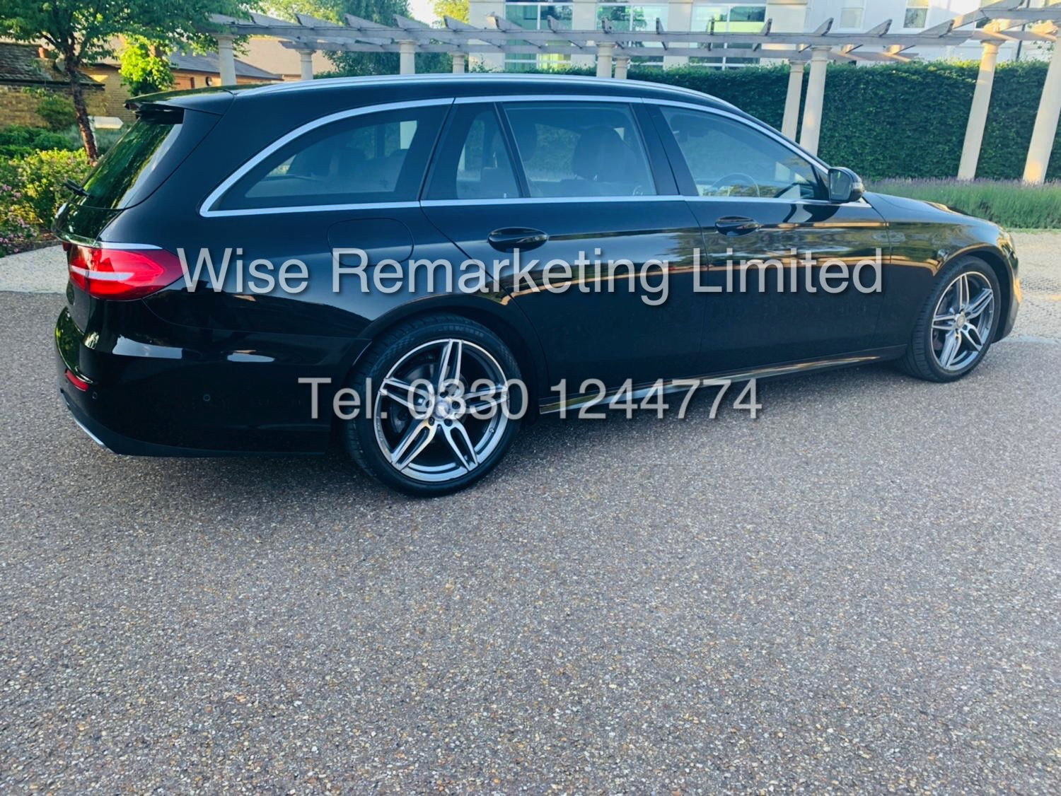 MERCEDES E CLASS ESTATE E220D AMG LINE 2017 / 9G -TRONIC / *LOW MILES* / 1 OWNER - Image 11 of 42