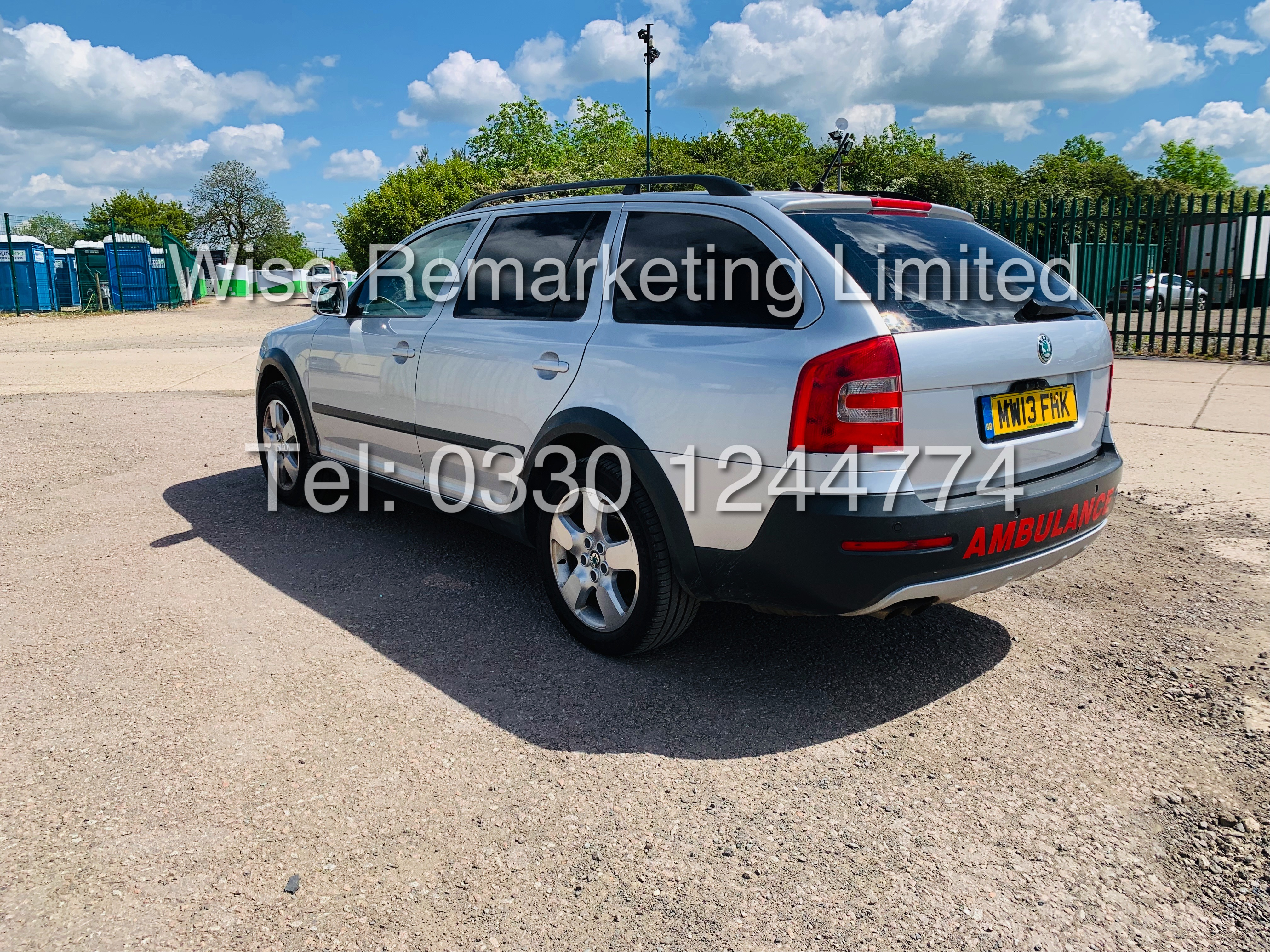 **RESERVE MET** SKODA OCTAVIA (SCOUT) 2.0tdi DSG AUTOMATIC ESTATE / 2013 / 1 OWNER WITH FULL HISTORY - Image 3 of 16