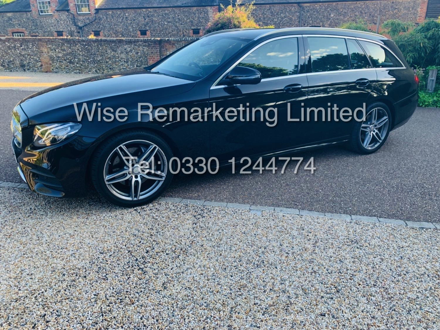 MERCEDES E CLASS ESTATE E220D AMG LINE 2017 / 9G -TRONIC / *LOW MILES* / 1 OWNER - Image 3 of 42