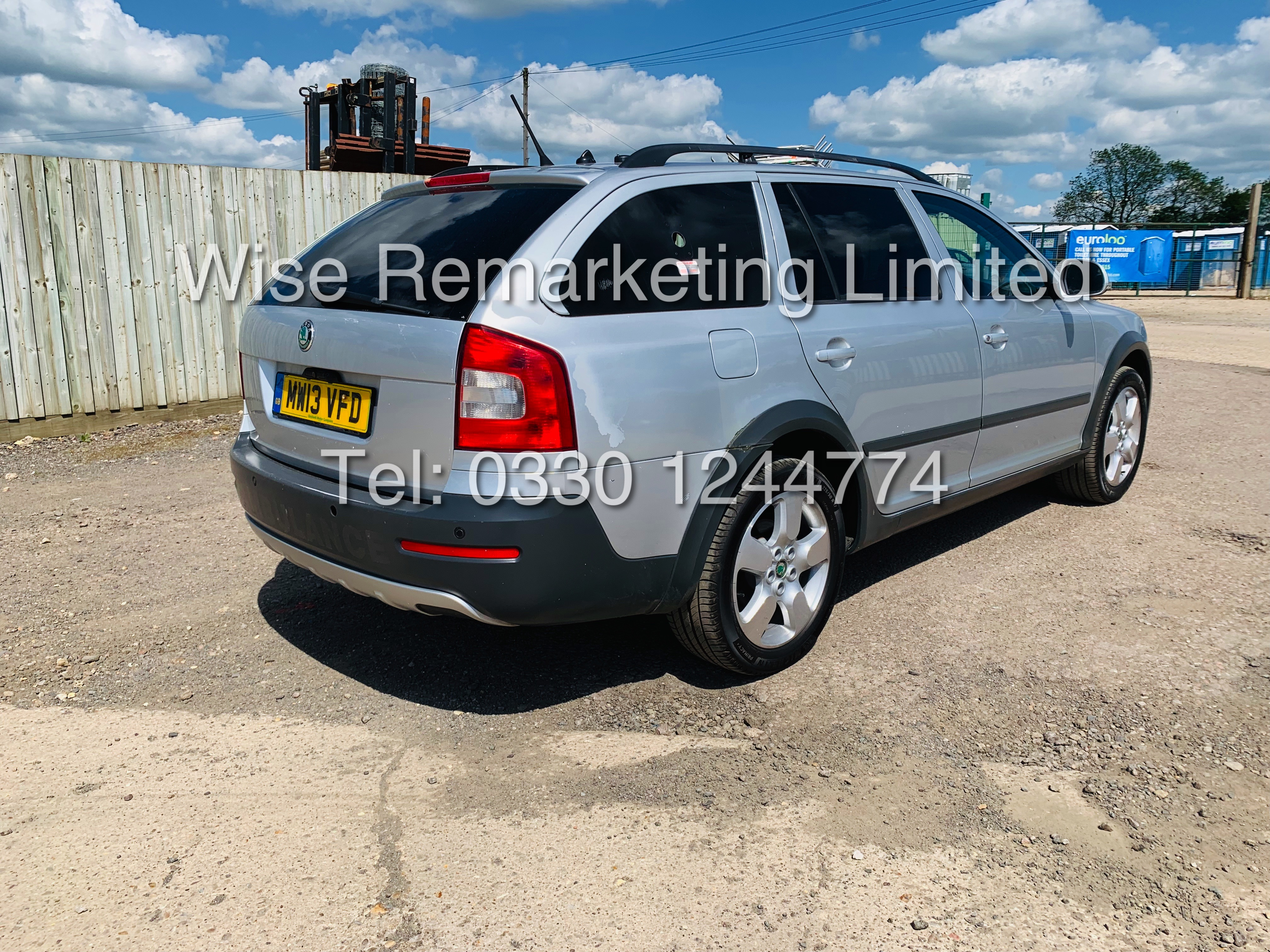 SKODA OCTAVIA (SCOUT) 2.0tdi DSG AUTOMATIC ESTATE / 2013 / 1 OWNER WITH FULL HISTORY / 140BHP / 4x4 - Image 3 of 14