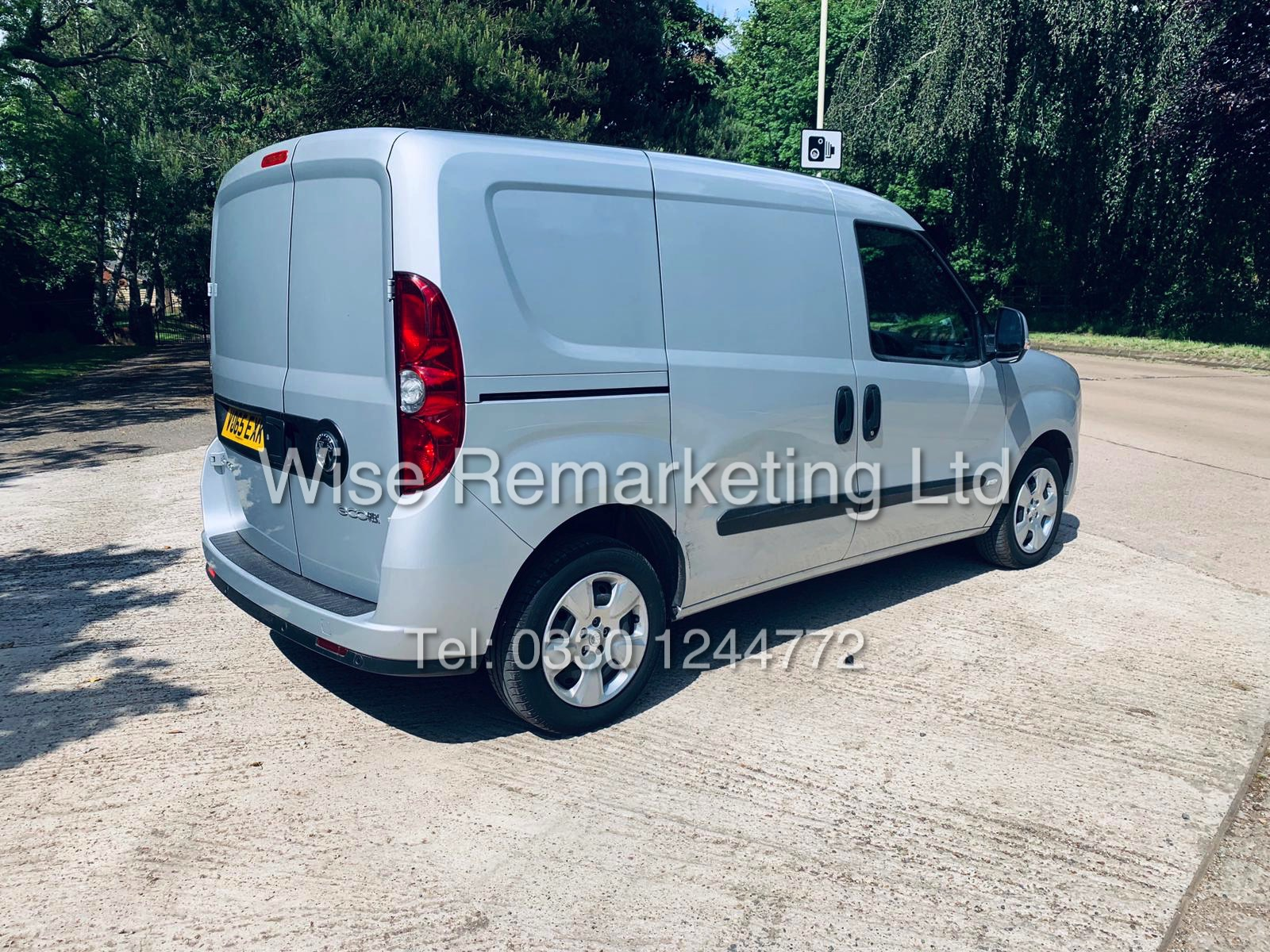**RESERVE MET** VAUXHALL COMBO 2000 CDTI (SPORT) 1 OWNER WITH FULL HISTORY / AIR CON / ALLOYS / - Image 7 of 22