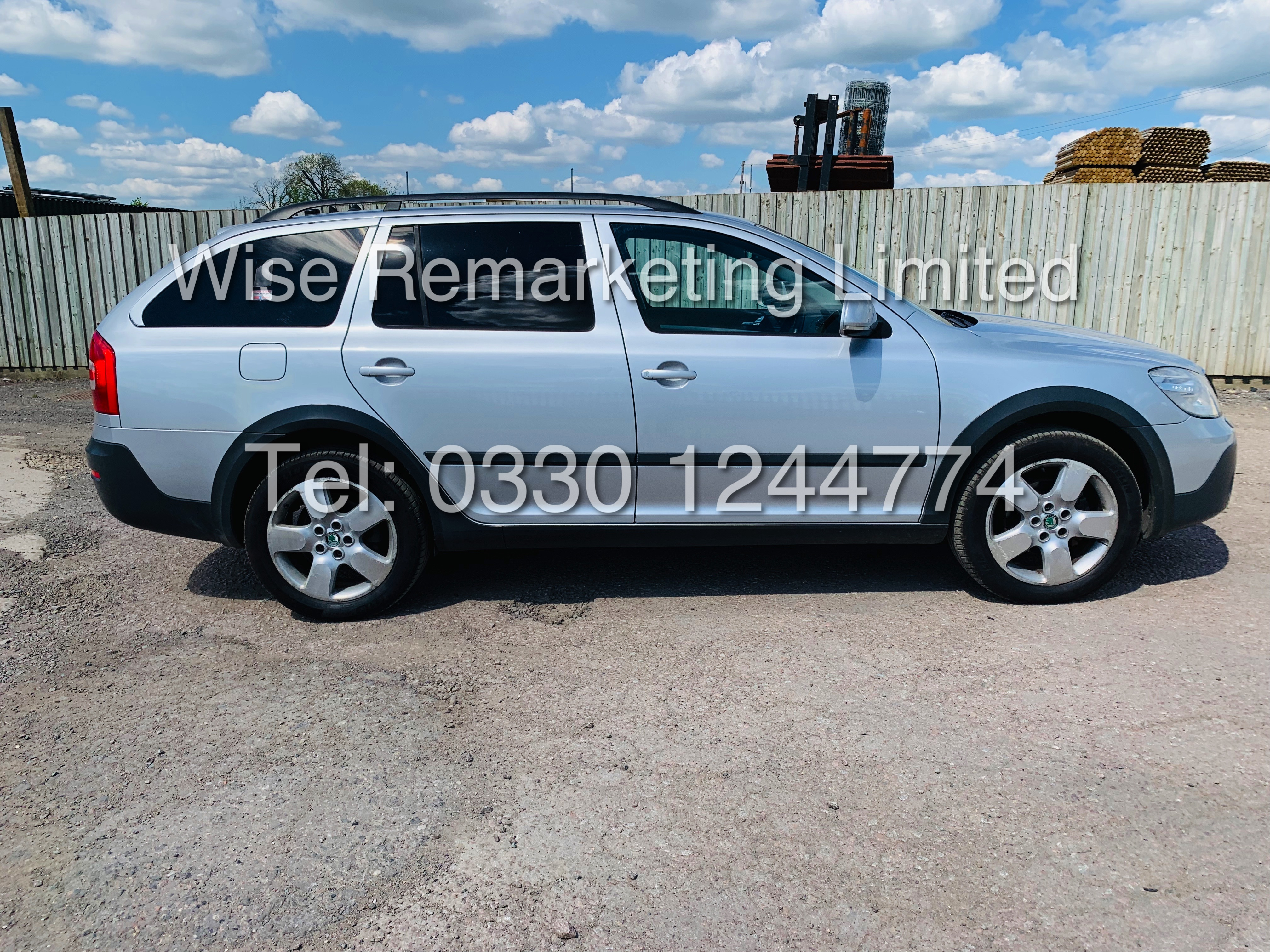 **RESERVE MET** SKODA OCTAVIA (SCOUT) 2.0tdi DSG AUTOMATIC ESTATE / 2013 / 1 OWNER WITH FULL HISTORY - Image 6 of 16