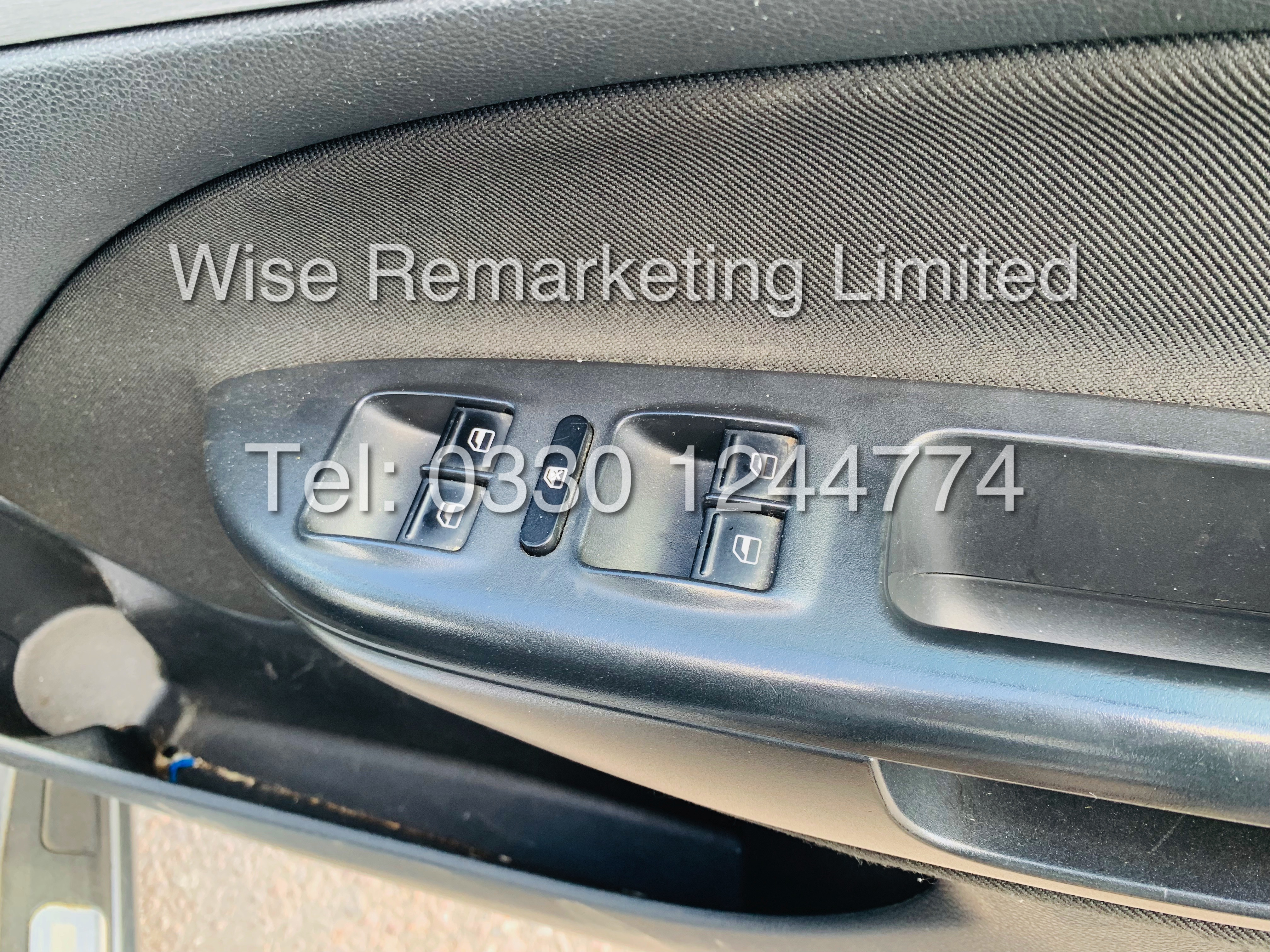 **RESERVE MET** SKODA OCTAVIA (SCOUT) 2.0tdi DSG AUTOMATIC ESTATE / 2013 / 1 OWNER WITH FULL HISTORY - Image 9 of 16