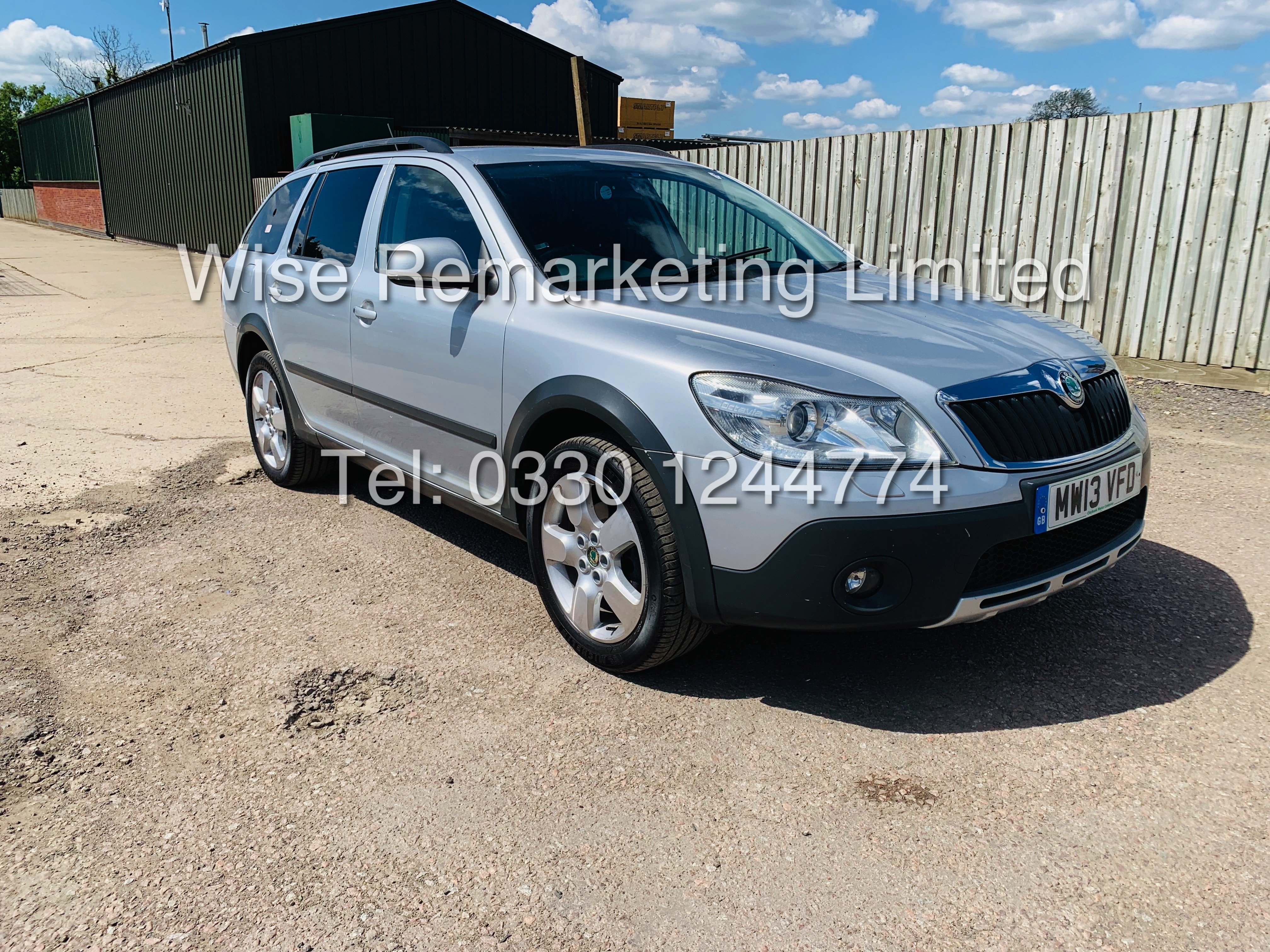 SKODA OCTAVIA (SCOUT) 2.0tdi DSG AUTOMATIC ESTATE / 2013 / 1 OWNER WITH FULL HISTORY / 140BHP / 4x4 - Image 7 of 14