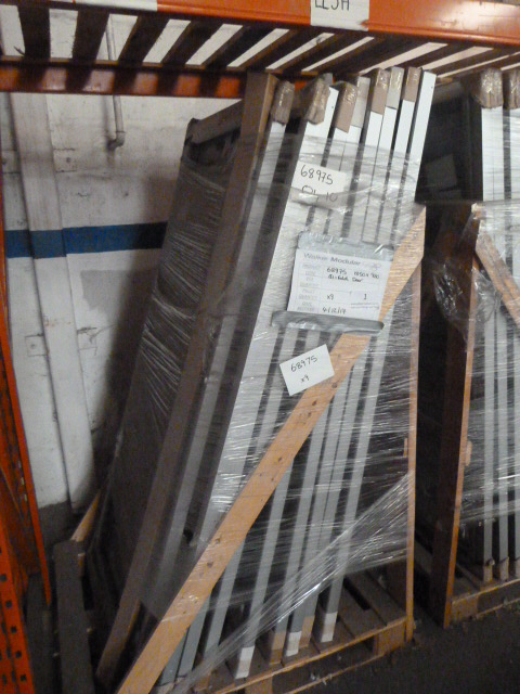 Lot 1 - *Pallet Containing 9 1850 by 980 Bi Fold Aluminium