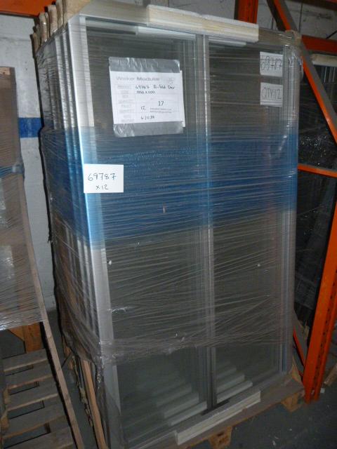 Lot 17 - *12 1850 by 1100 Aluminium Bi Fold Shower Doors