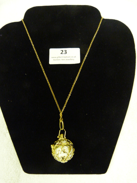 Lot 23 - *Gold Chain with Locket Pendant RRP:£130