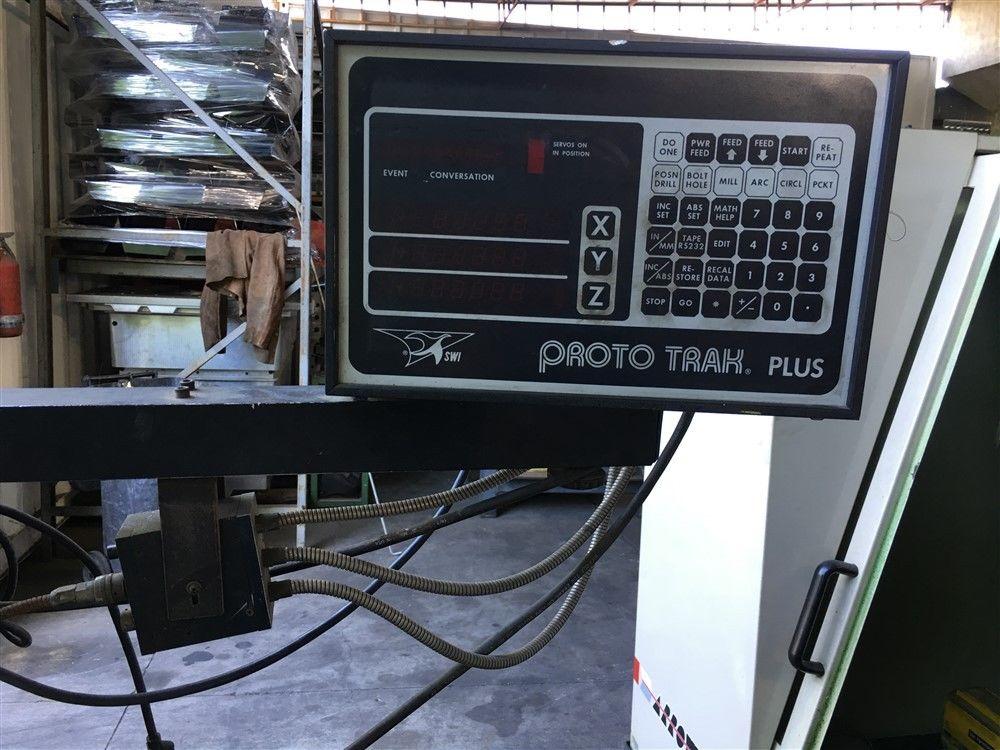 Lot 29 - 9 x 42 BRIDGEPORT 2-AXIS CNC MILL MILLING MACHINE W/ PROTO TRAK CONTROL