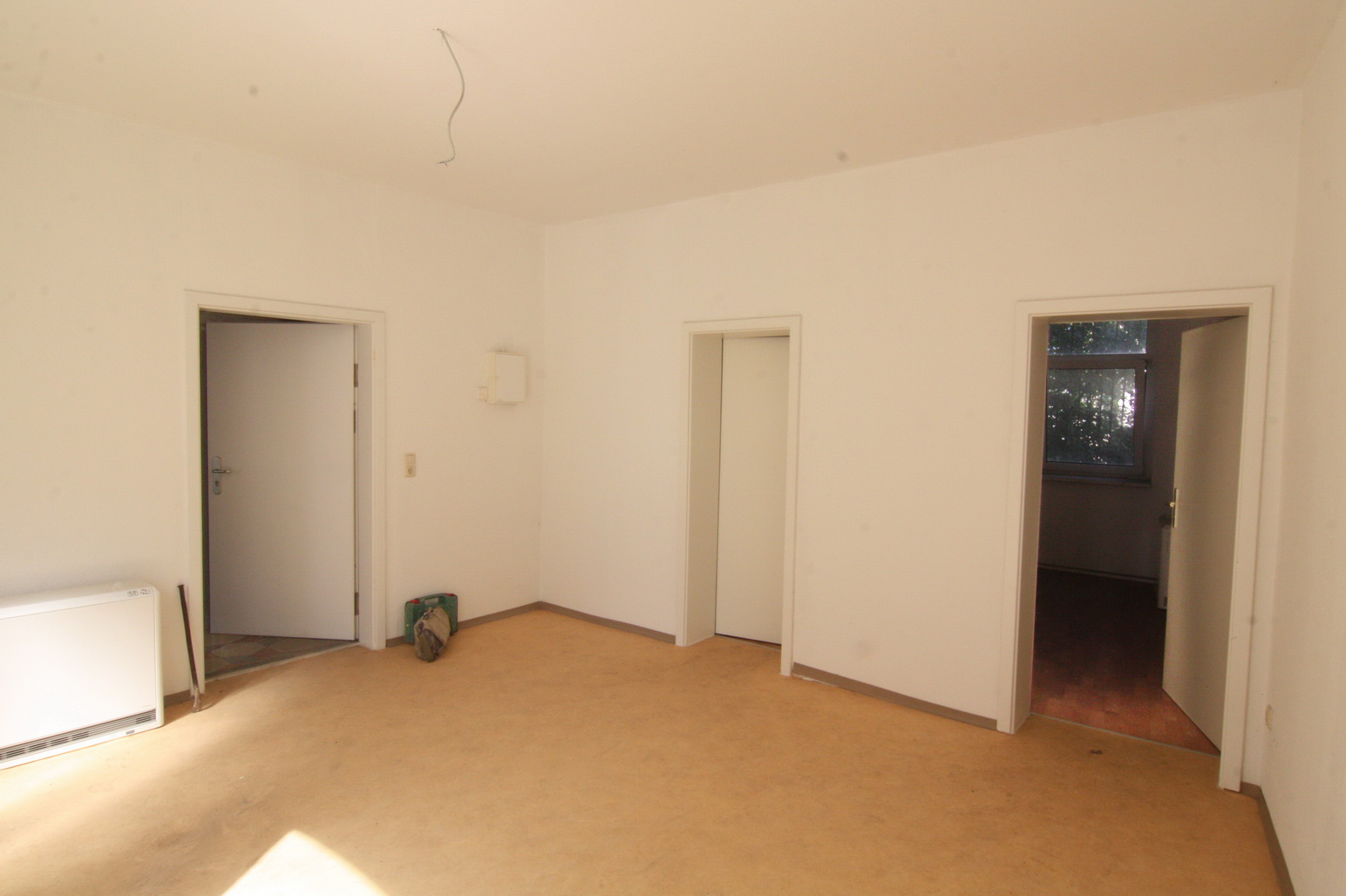 Lot 1 - APARTMENT BLOCK + SHOP UNITS IN DÖBELN, SAXONY, GERMANY NEAR DRESDEN AND MOTORWAY
