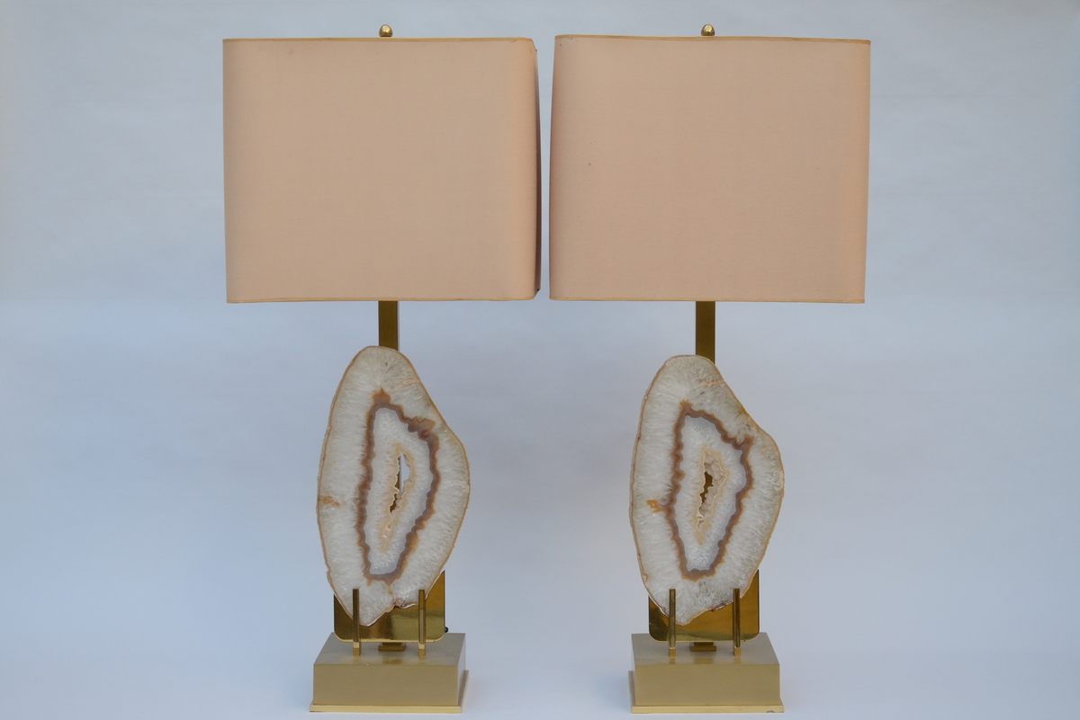 Lot 49 - Pair of vintage lamps with stone fragment (100cm)