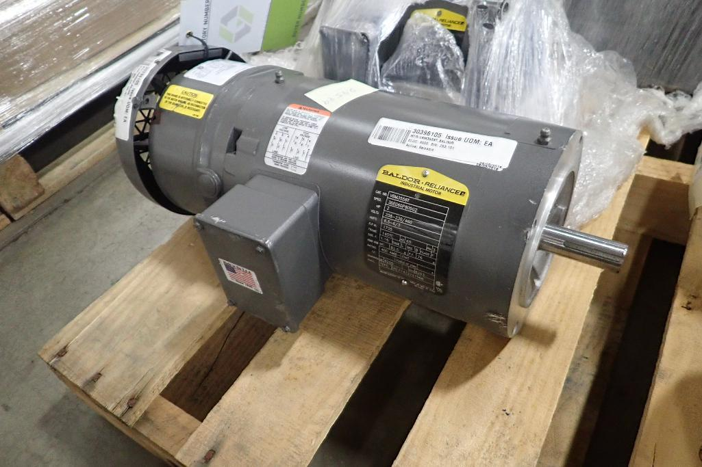 Lot 2024 - (2) Baldor electric motors, 0.5 hp and 2 hp. (See photos for additional specs). **Rigging Fee: $25**