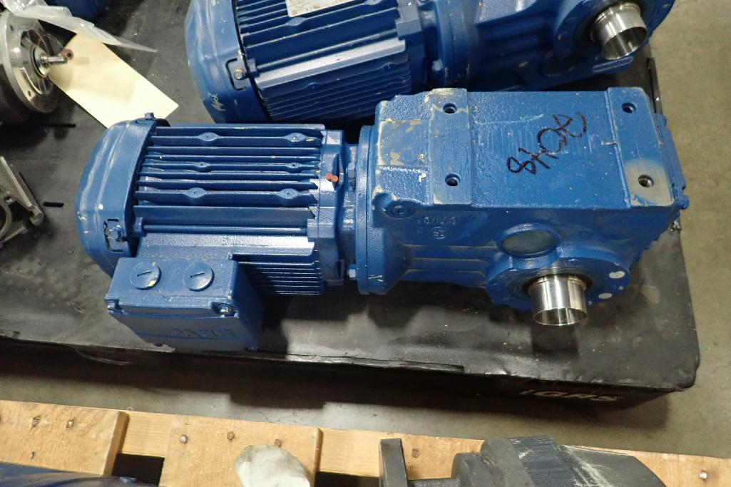 Lot 2048 - (5) SEW electric motors and gearboxes, 0.75 hp to 1.5 hp. (See photos for additional specs). **Riggi