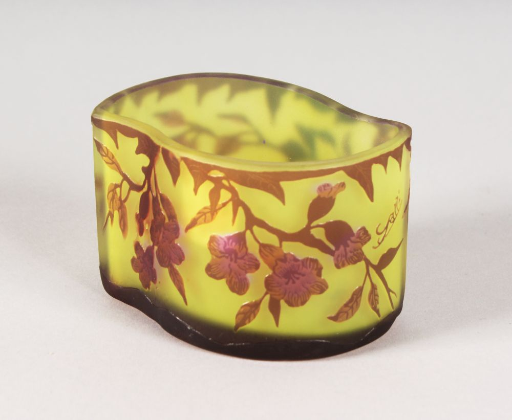 Lot 1043 - A GOOD GALLE CAMEO GLASS SHAPED BOWL, floral decoration. Cameo Signature. 4.5ins long.