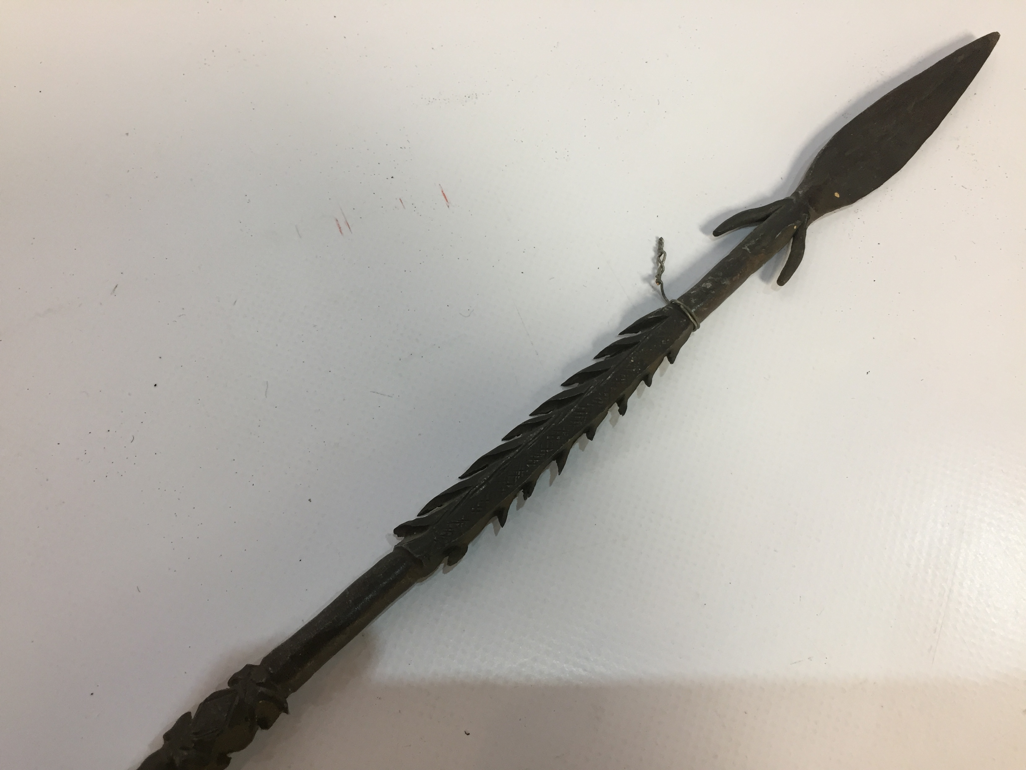 Lot 34 - ETHNIC IRON CRAFT FISHING SPEAR WITH BARBED SHAFT