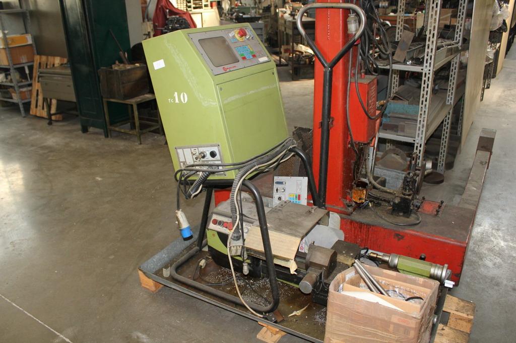 Tornio cortini cnc h105 controllo 2437 macchina smontato for Tornio cortini