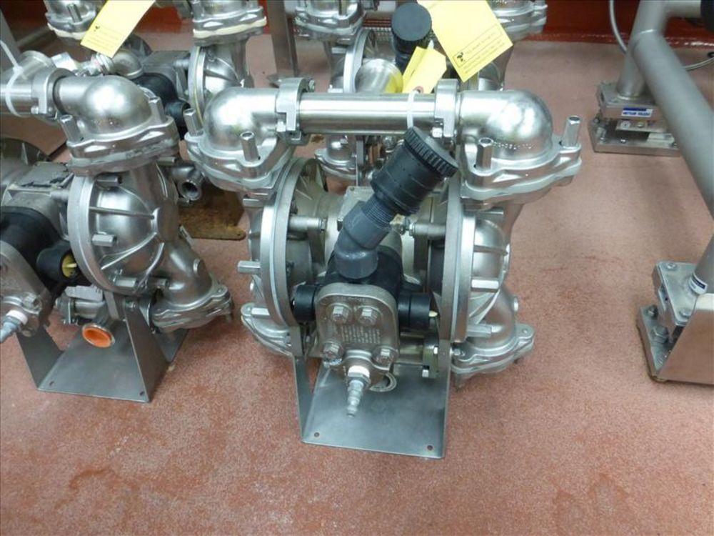 Lot 810 - Warren Rupp Sandpiper pumps mod. no. SSB1-A ser. no. 617493 type TY-3-SS, USDA compliant metallic