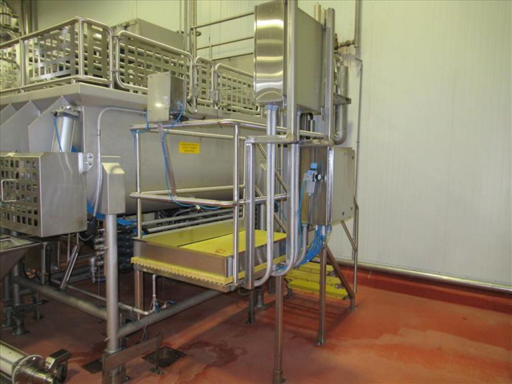 Lot 842 - inspection deck along blender approx 30 in. W x 4 ft. h, stainless frame and safety rails, with 4