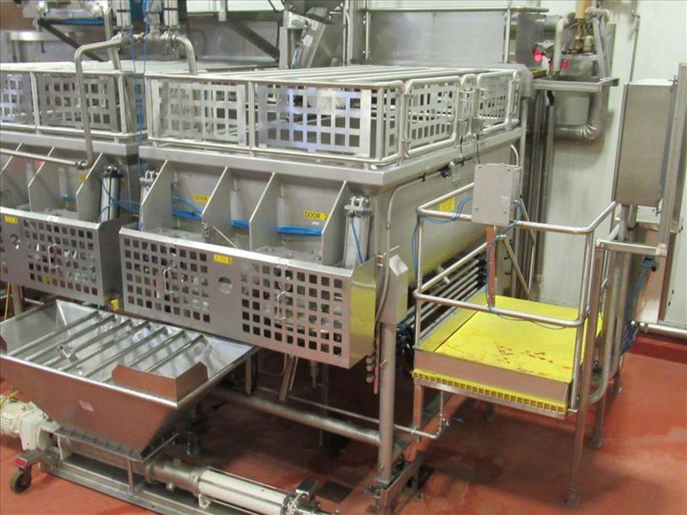 Lot 837 - A&M Process double ribbon blender - B mod. no. DRB800 ser. no. 1003128 approx 250 cu-ft, u bottom,