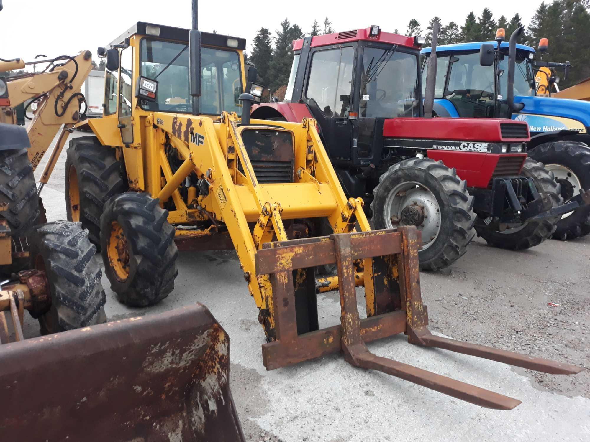 Lot 2521 - Massey Ferguson Loading Shovel MF50EX - 0cc X - Other