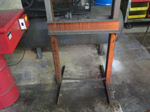Lot 52 - Central Hydraulics 20-Ton Hydraulic H-Frame Press