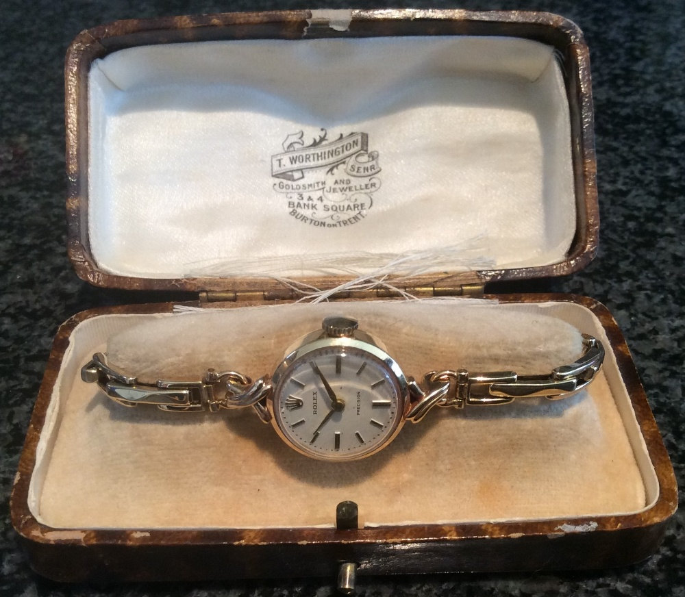 Lot 367 - A ladies Rolex 9ct gold Rolex wristwatch