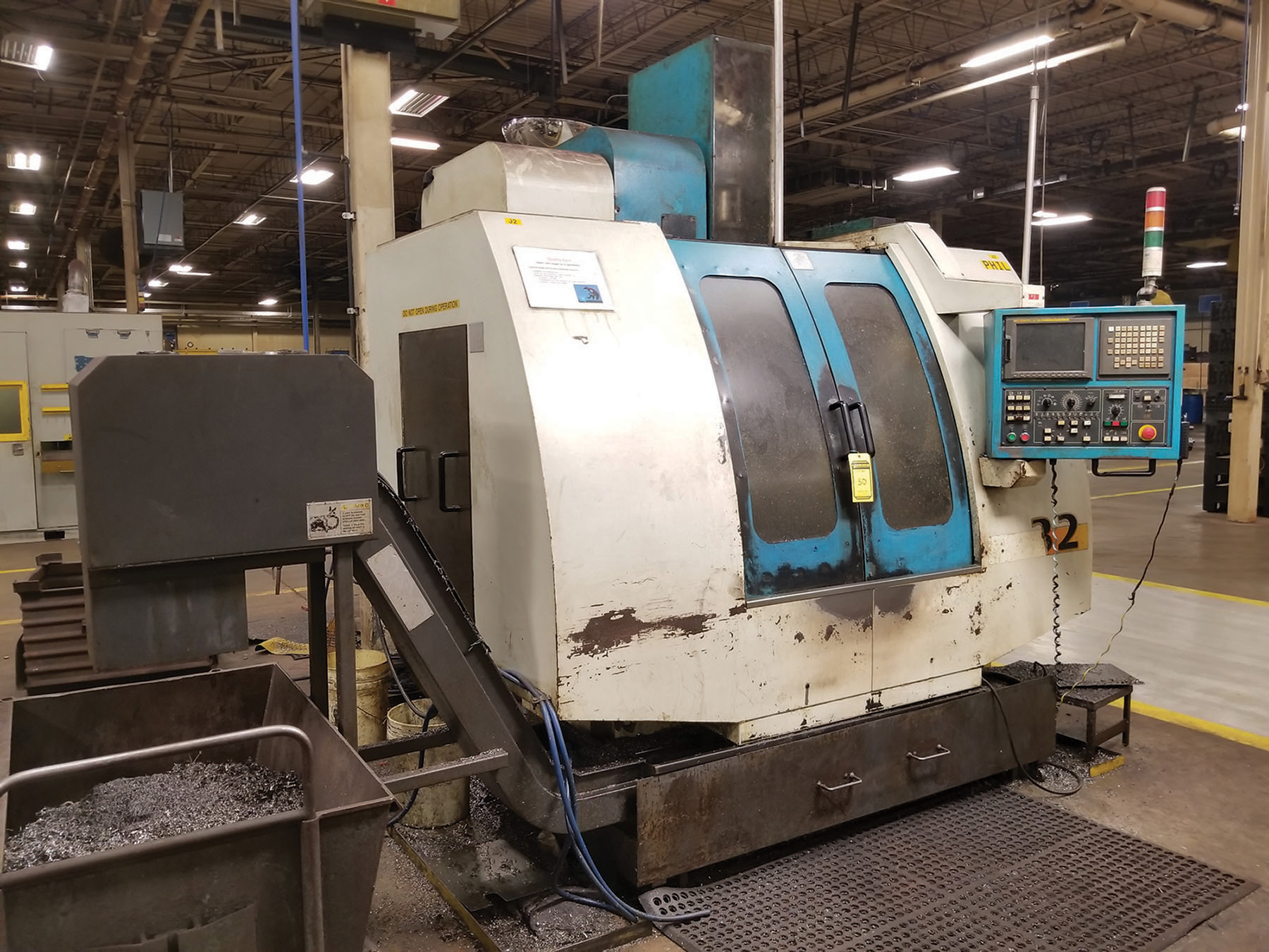 Lot 30 - 2002 JOHNFORD SUPER VERTICAL SV-32 VERTICAL MACHINING CENTER, 4-AXIS, S/N MB2302, 17.5'' X 39.25''